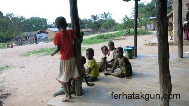 Kinder in Katongolo