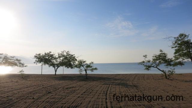 Sandstrand am Matema Beach
