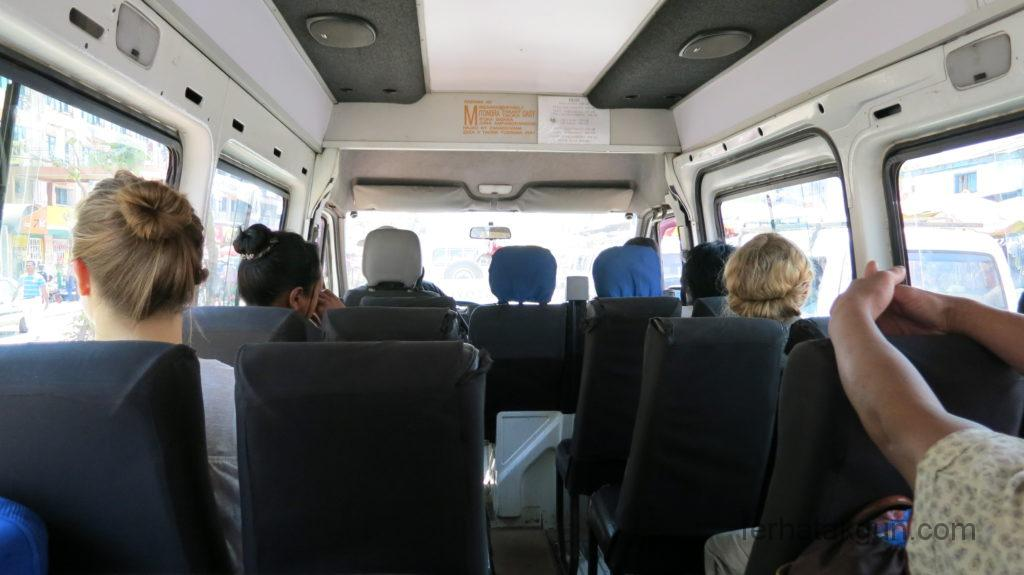 taxi brousse ivato nach antananarivo Madagaskar