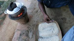 zu-gast-in-fianarantsoa-bei-studenten-kochen-2