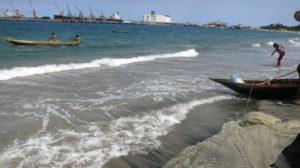 Toamasina - Fischer fischen 1