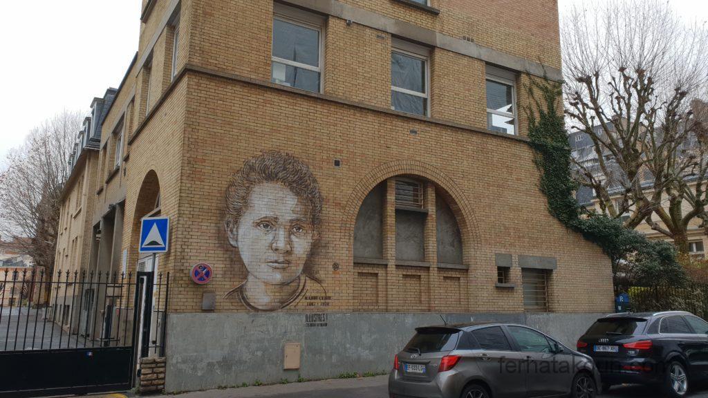 Street Art Marie Curie