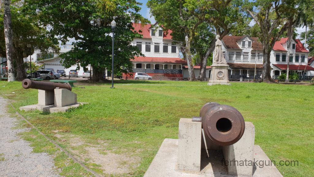 Paramaribo Fort Zeelandia Kanonen
