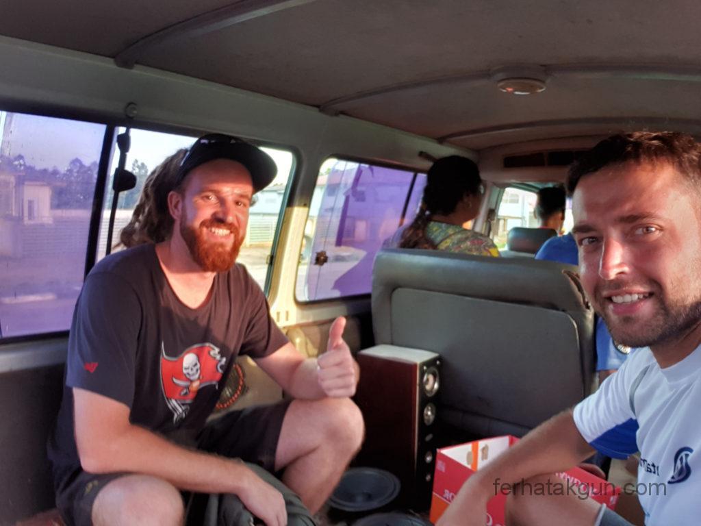 Peperpot Rückweg im Minibus