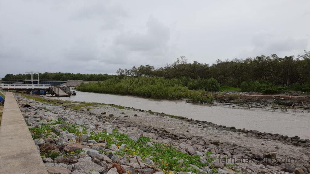 Coronie Totness Friendship - Kanal Überwässerung