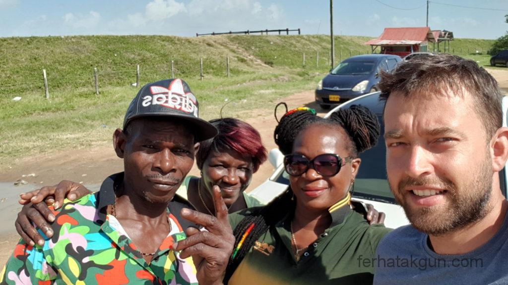 Nieuw-Nickerie - Familie und Freunde von Rasta