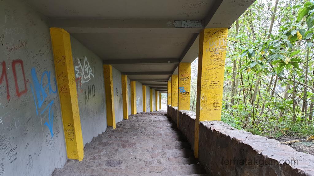 Bogota - Monserrate Treppen überdacht