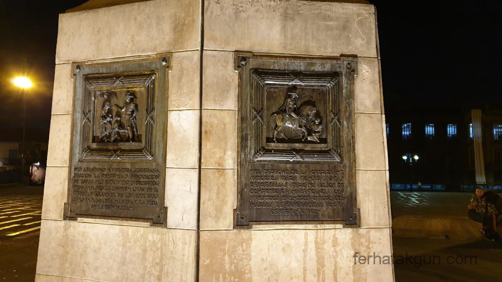 Bogota - Statue Simon Bolivar