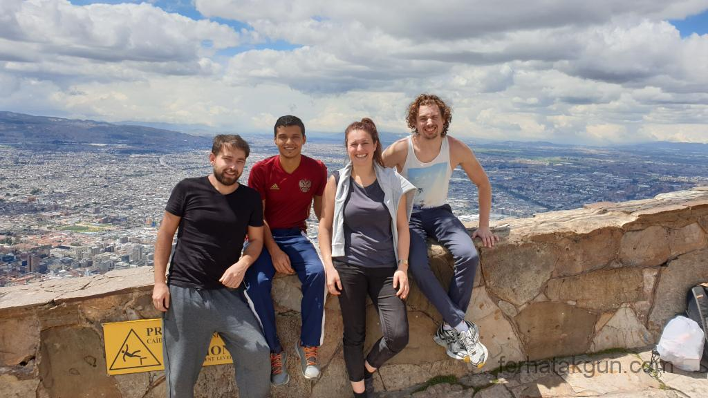 Bogota - Monserrate am Gipfel mit Gruppe