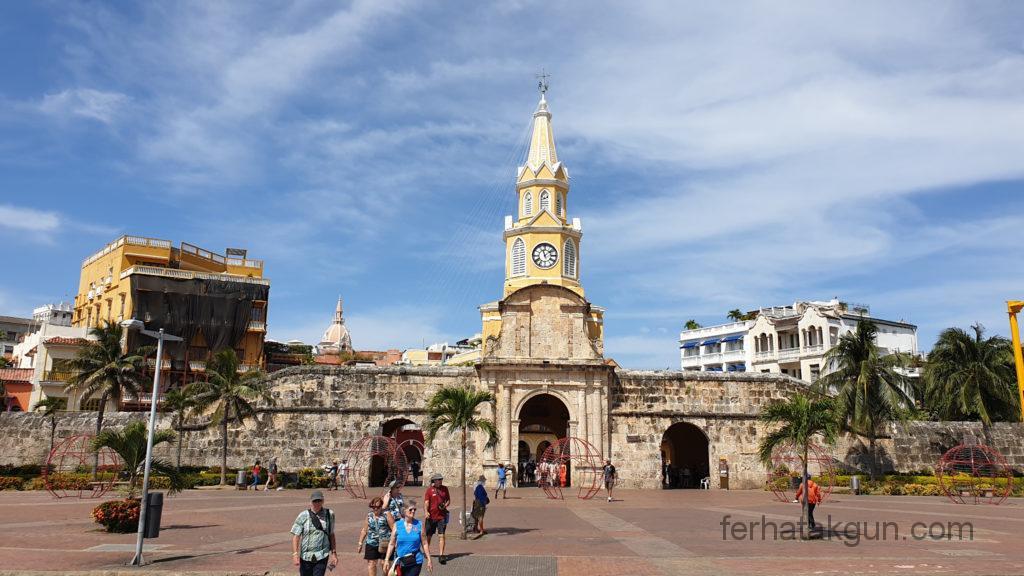 Cartagena - Uhrenturm und Tor zur Altstadt