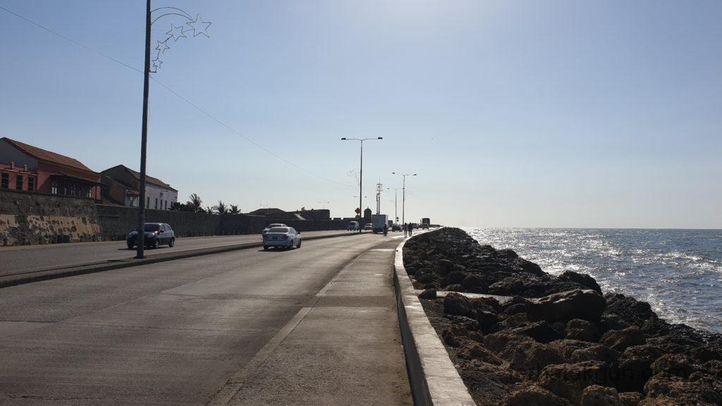 Cartagena - Karibisches Meer und Gebäude