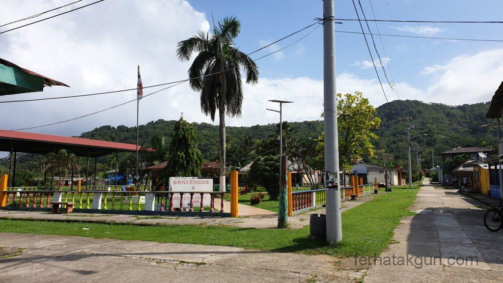 Puerto Obaldia - Auf dem Weg zum Flughafen