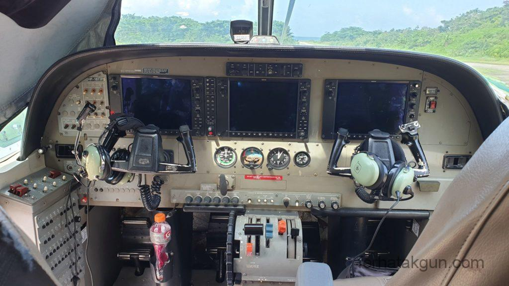 Puerto Obaldia - Cockpit