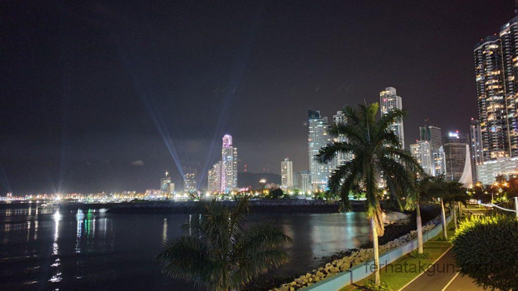 Panama City - Sky Line bei Nacht