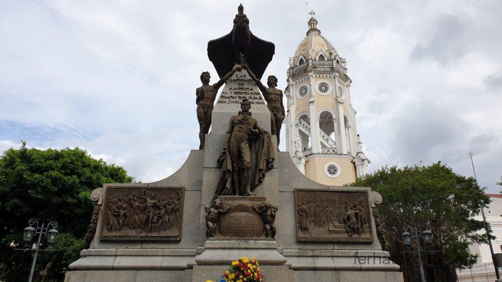 Panama City - Denkmal in Casco Viejo