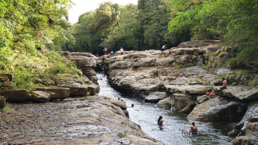 Los Cangilones De Gualaca - Becken zwischen den Felsen