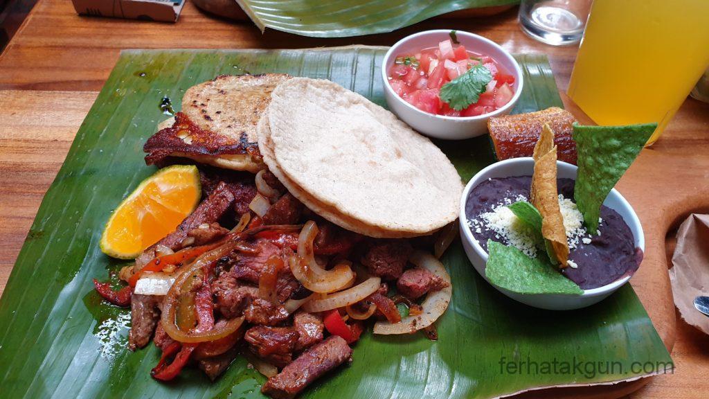 Cartago - Köstliches Essen
